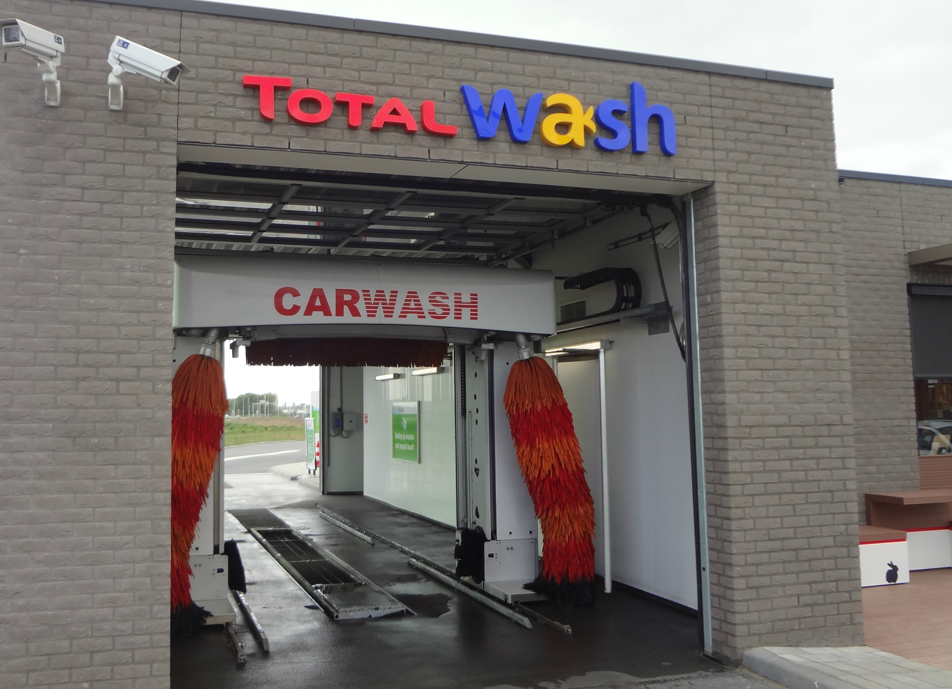total neemt esso tankstation met carwash over in eersel carwashpro. Black Bedroom Furniture Sets. Home Design Ideas