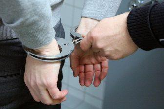 handboeien, politie, arrestatie