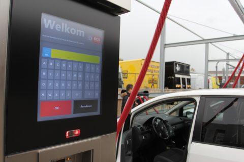 Bob Autowas, Schiedam, betalen